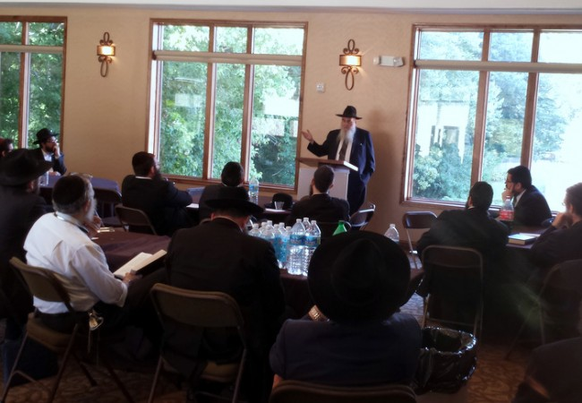 Mid-Atlantic Shluchim Unite at Regional Kinus