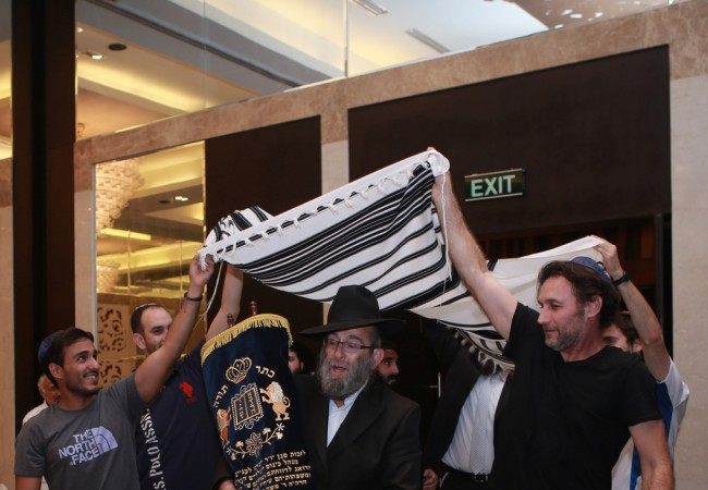 Hanoi Jewish Community Gets Its First Sefer Torah