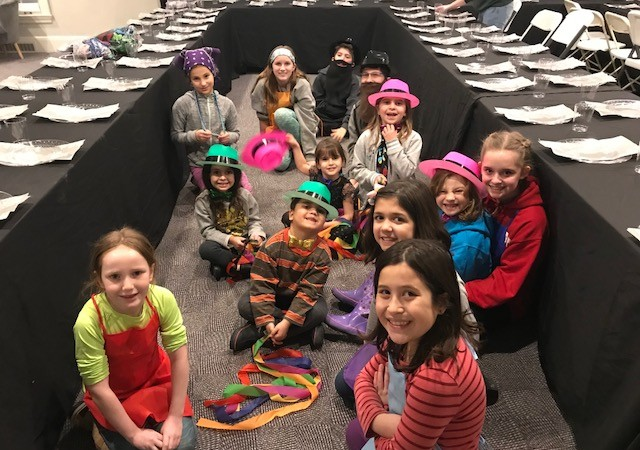 Shluchim Lead Build-a-Bear Inspired Workshops to Spread Mitzvos