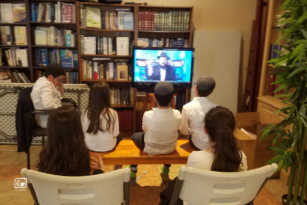 "Over 2000 Yaldei Hashluchim Participate in ""An Hour With The Rebbe"""