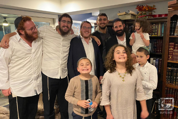 Hundreds of Rabbinic students join remote communities to enhance holiday spirit